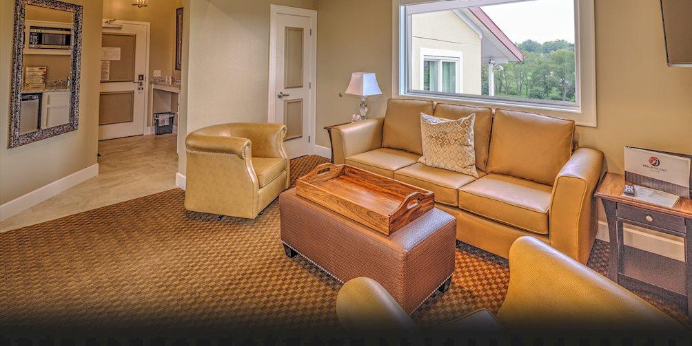 ohio suites media id center hotel a job posted conference comforter comfort berlin facebook home comfortsuitesberlinoh